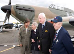 Tom with Battle of Britain ground crew veterans of 56 and 222 squadrons and Spitfire display pilot Peter Teichman